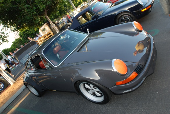 reflections, gray Porsche 911RSR, cars & coffee