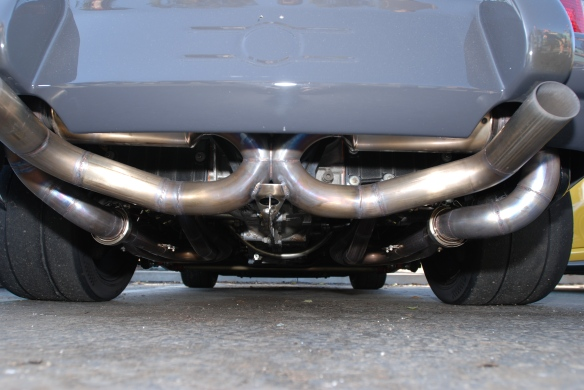 Car&Coffee, Porsche 911, 1970 gray RSR exhaust system