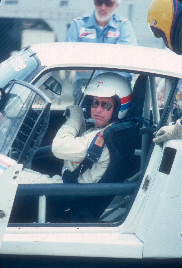 Brumos  935,Peter Gregg portrait, riverside raceway _Apr80
