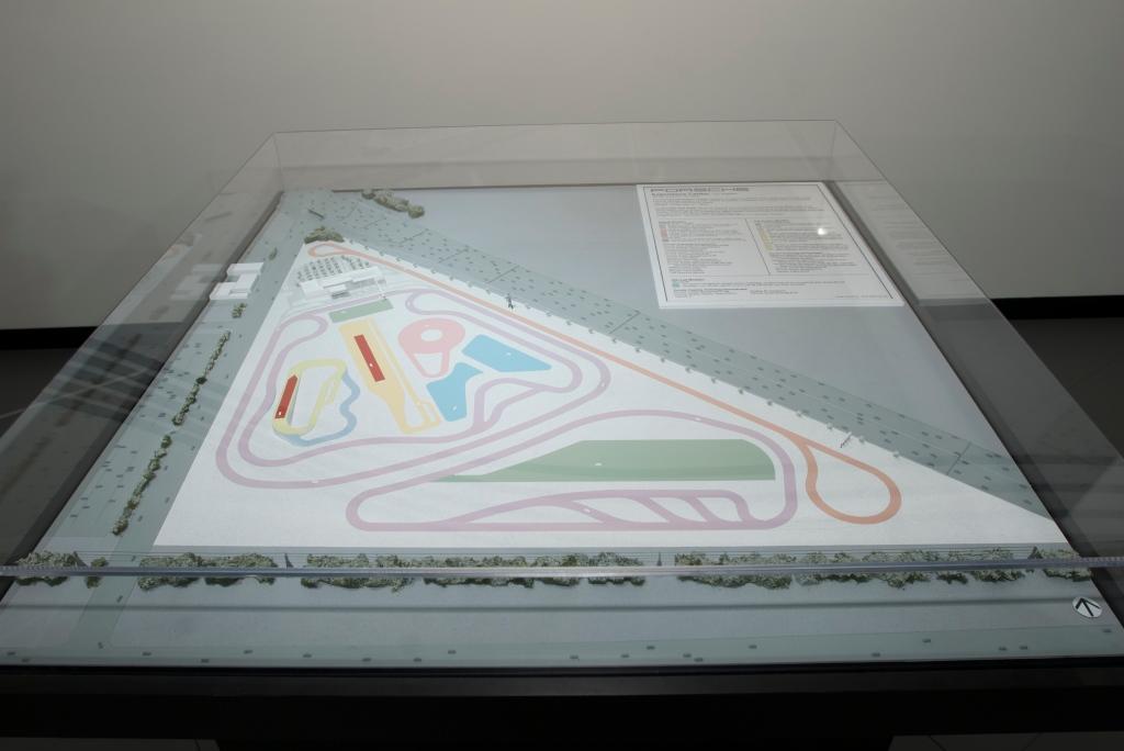 Porsche Experience Center model_L.A. Auto Show 2011