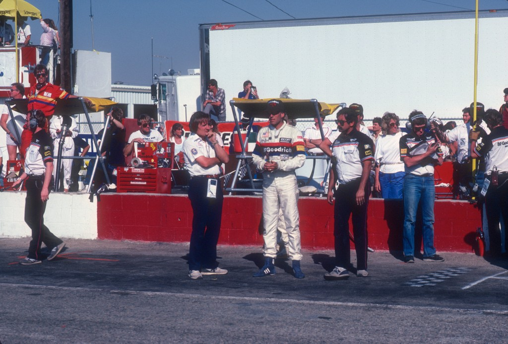 Jim Busby, Alvin Springer (of Andial) and crew awaiting car #68's last lap_Riverside Raceway_April 1985