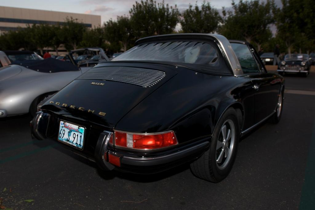 Black 1969 Porsche 911S with reflection_Cars&Coffee/Irvine_12/17/11