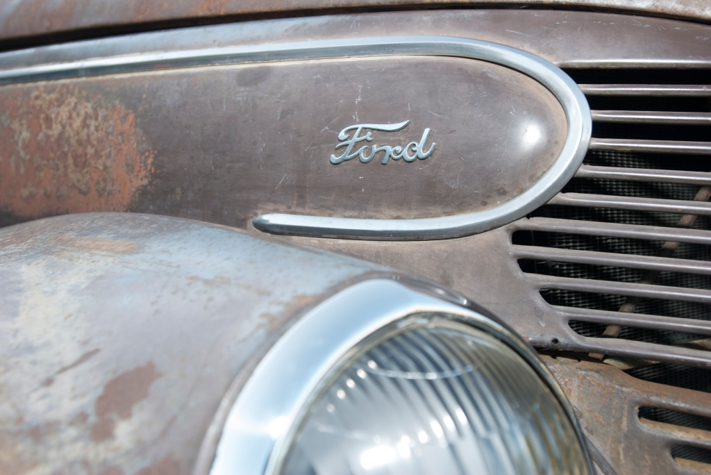 Woody Club_Ford _Cars&Coffee/Irvine_12/3/11