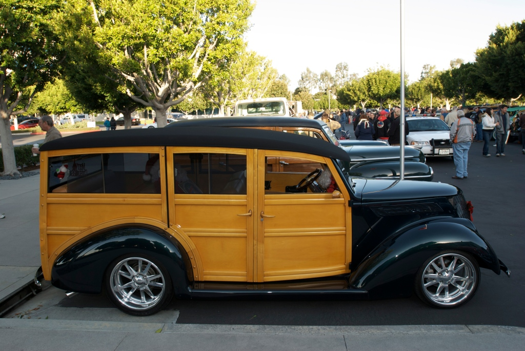 Woody Club_Cars&Coffee/Irvine_12/3/11