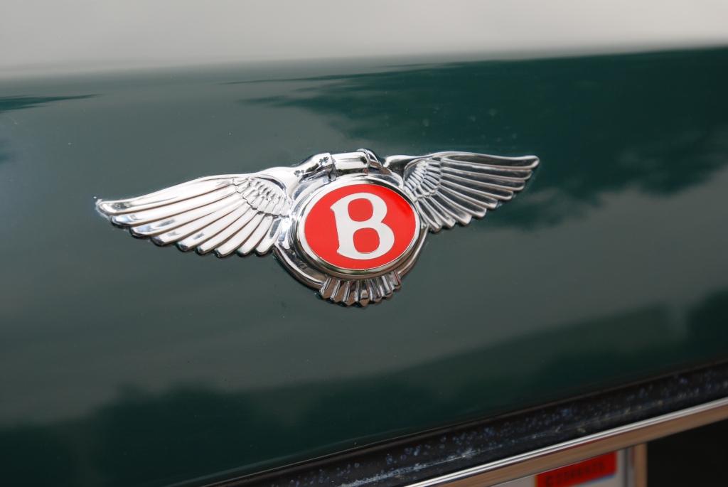 Green Bentley_rear trunk badging_Cars&Coffee/Irvine_2011