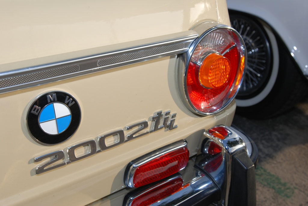 BMW 2002 TII rear bumper reflections_Cars&Coffee/Irvine_2011