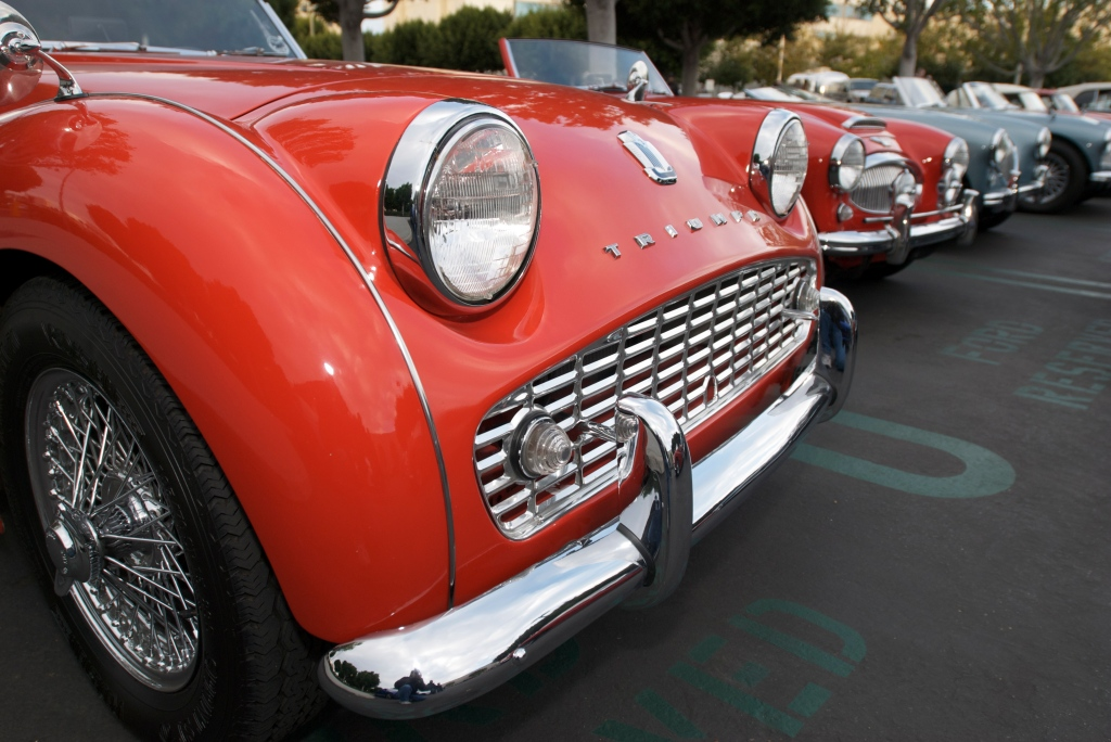 Triumph TR3 with Austin Healeys in the background_Cars&Coffee/Irvine_1/14/12