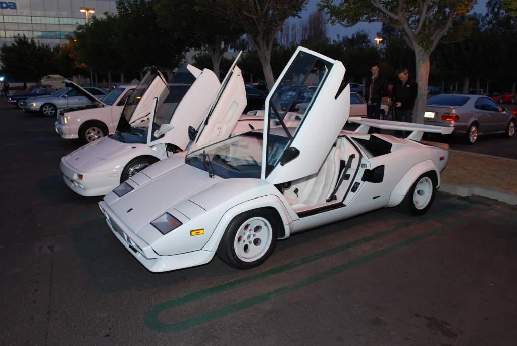 2 White Lamborghinis_Countach and Diablo VT_Cars&Coffee/Irvine_2/18/12