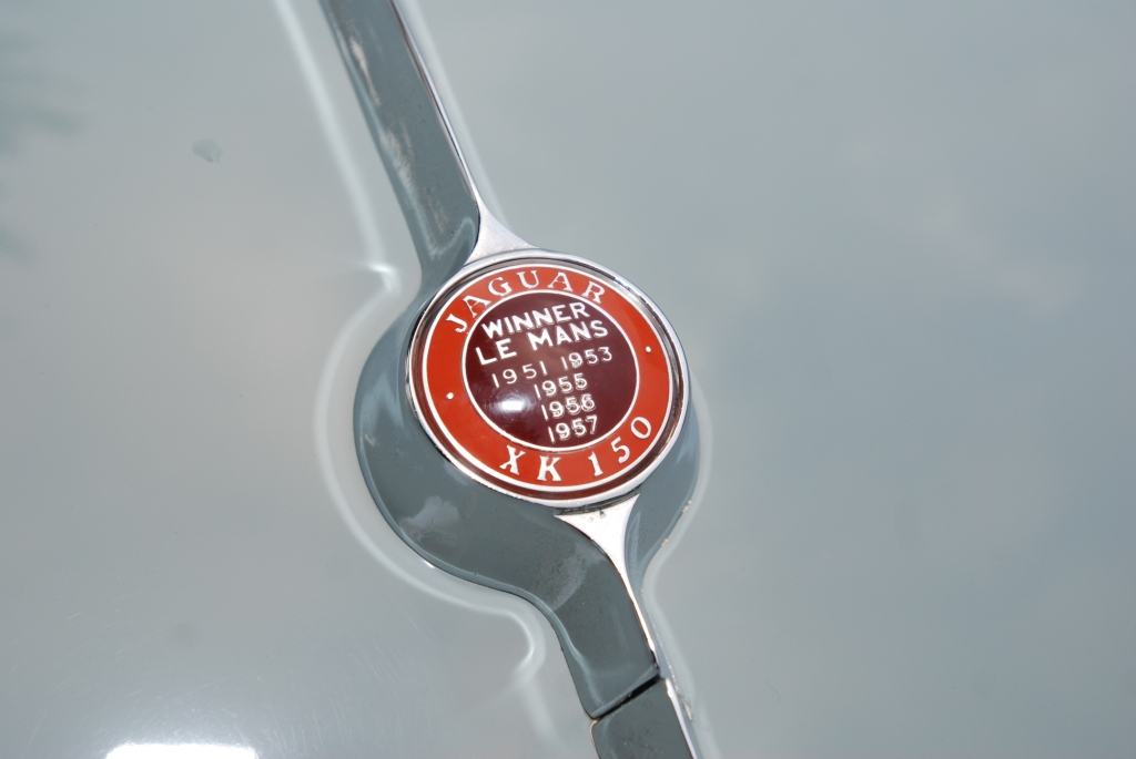 Pale green on red, Jaguar XK 150 coupe__Rear boot badging_Cars&Coffee/Irvine_2/11/12