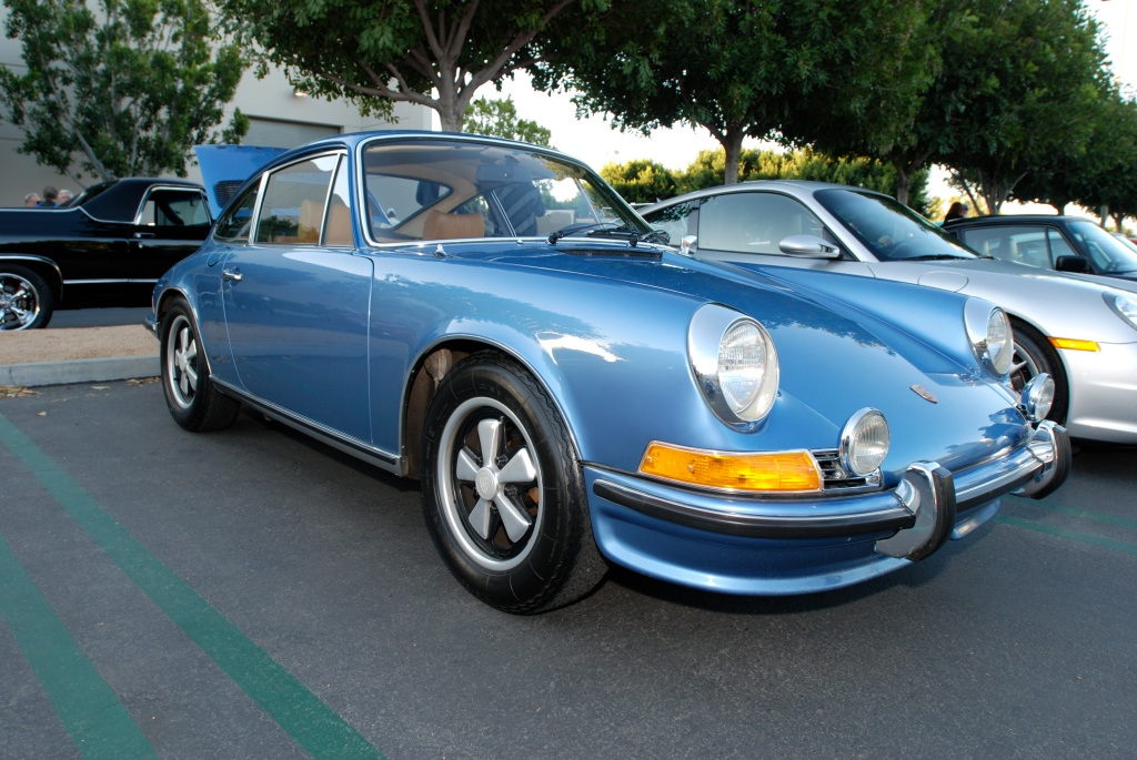 Blue metallic 1972 Porsche 911T_reflections_Cars&Coffee/Irvine_3/10/12