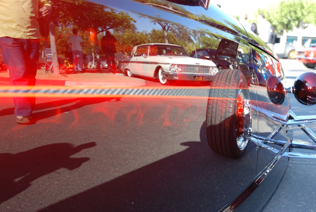 Chip Foose_HemiSFear_ side reflections_Cars&Coffee/Irvine_3/10/12