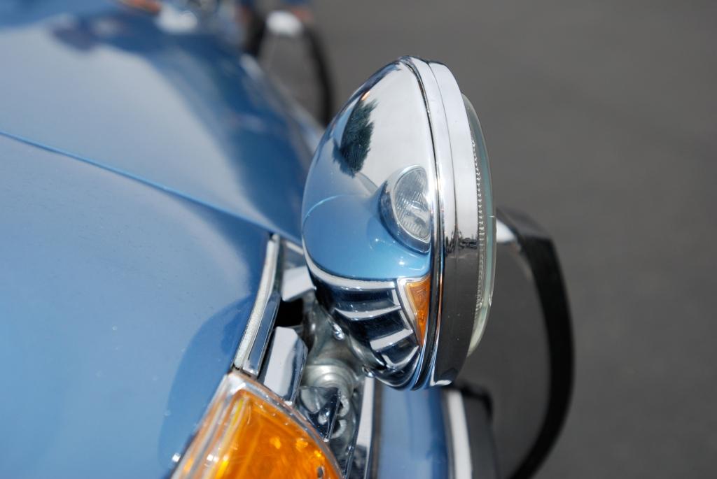 Blue 1972 Porsche 911_driving light reflections_Cars&Coffee/Irvine_3/31/12