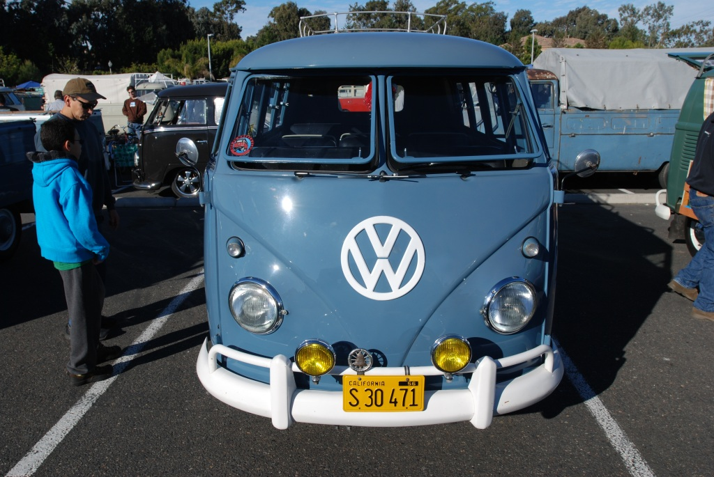 Dove Blue VW type II transporter_front view_OCTO fest_2011