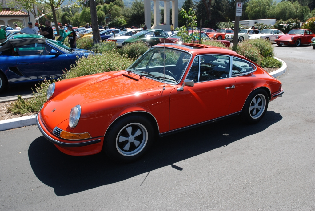 Orange 1972 Porsche 911T_3/4 front view_RGruppe Solvang Treffen _May 5, 2012