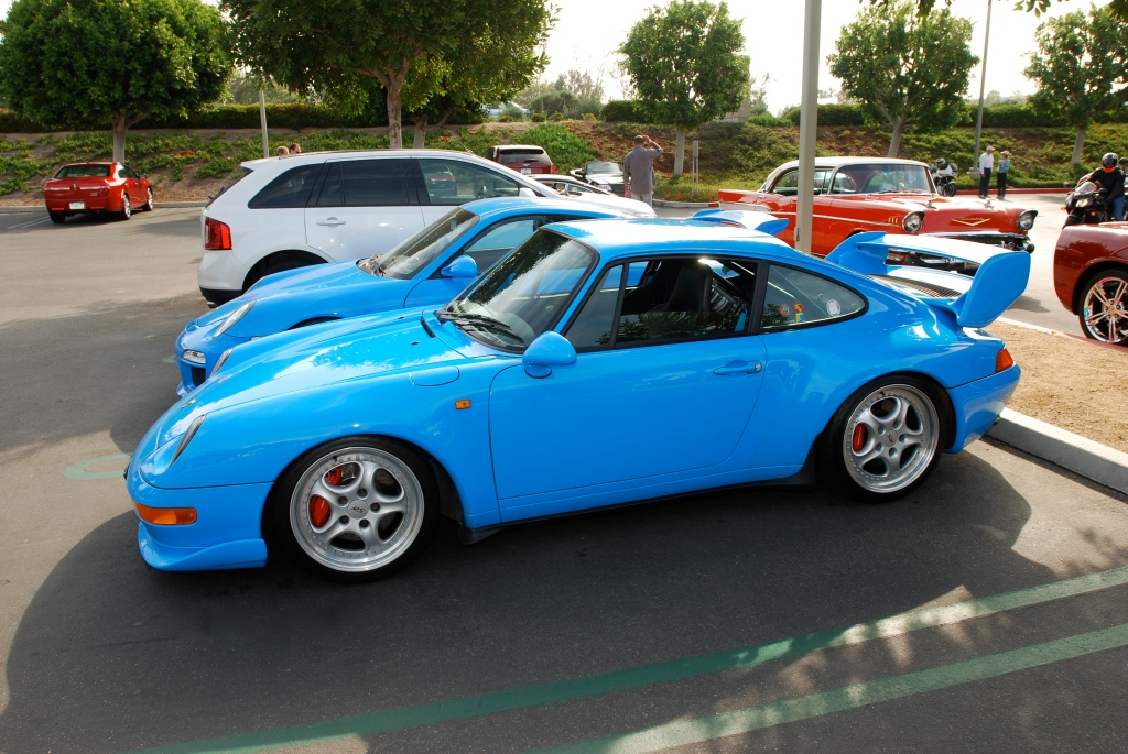 2 blue Porsches_1996 Carrera RS Club Sport & 2011 Type 997 GT3_side view_Cars&Coffee_May 12, 2012