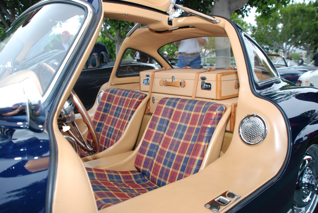 Dark blue Mercedes Benz 300SL Gullwing coupe_interior shot of seats and luggage_Cars&Coffee_June 2, 2012