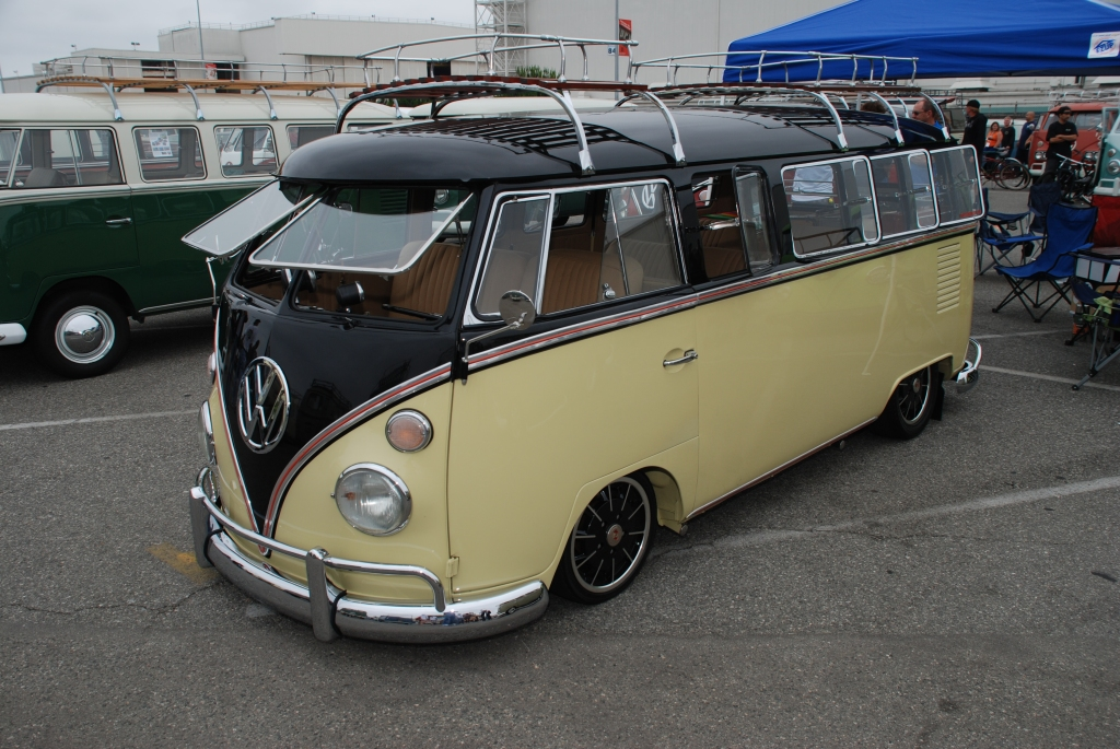 VW type II transporter  _Two- toned bus_pale beige and black_3/4 front view_The 2012 O.C.T.O  show_June 9, 2012