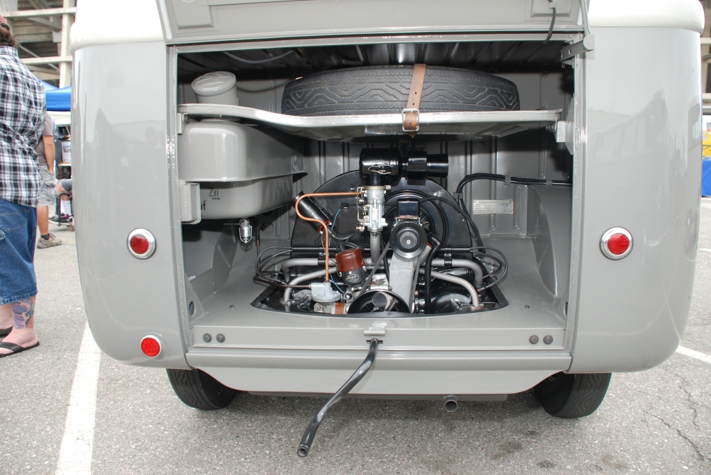 VW type II transporter  _Two- toned gray Panelvan_rear view- motor, fuel tank, spare tire_The 2012 O.C.T.O  show_June 9, 2012