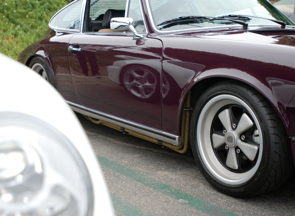 Aubergine 1973 Porsche 911 T _3/4 side view with white Porsche 993 reflection_Cars&Coffee/Irvine_June 23, 2012