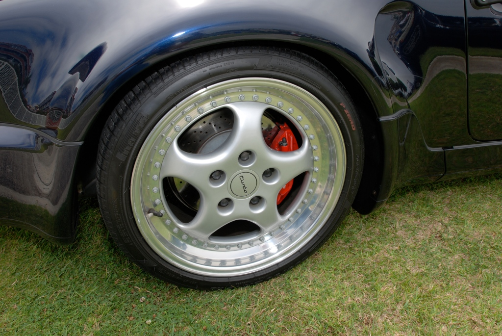 356 Registry_ dark blue Porsche 964 Turbo S_ rear fender reflections with wheel detail_Dana Point concours _July 15, 2012