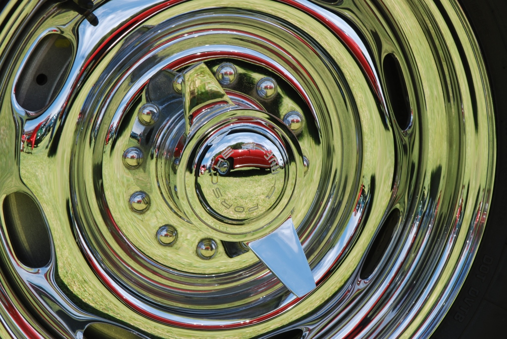 356 Registry_  Porsche 356 Rudge knock off wheel with reflections_Dana Point concours _July 15, 2012