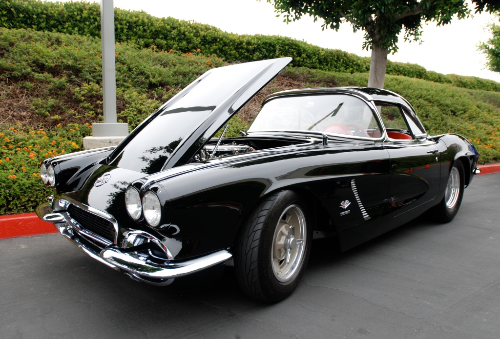 Black on red 1962 Chevrolet Corvette_Cars&Coffee/Irvine_June 23, 2012