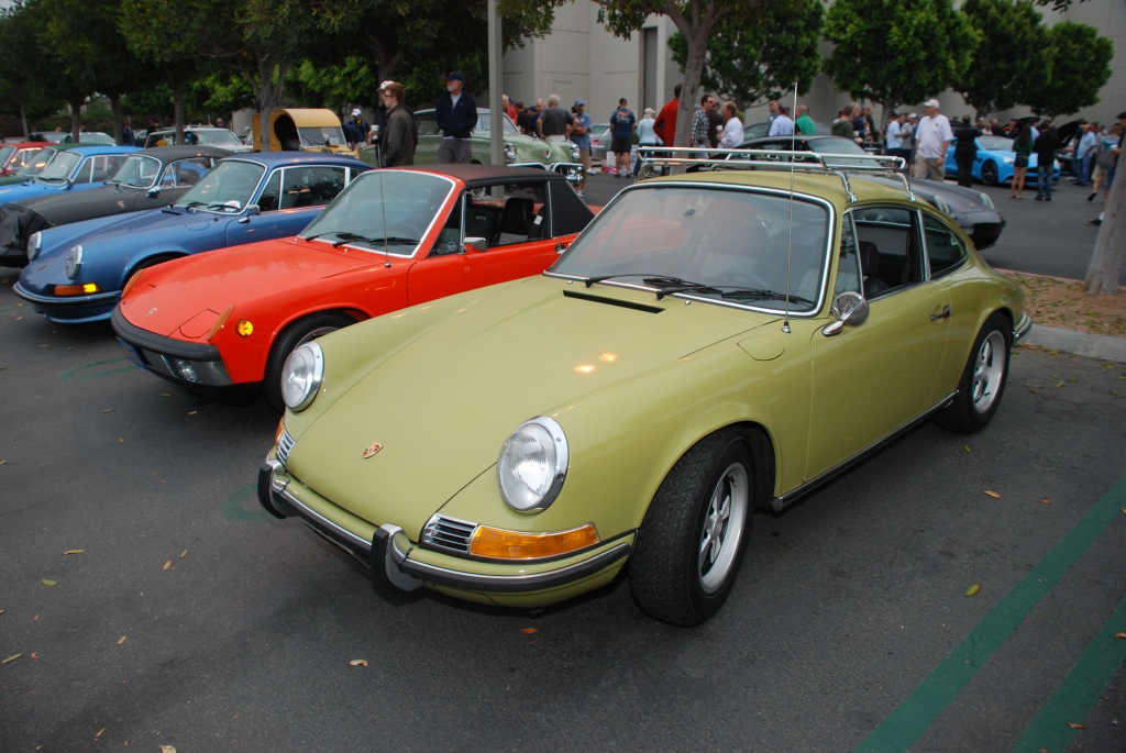 Lime Green 1970 Porsche 911E_3/4 front view Porsche row_Cars&Coffee/Irvine_August 25, 2012