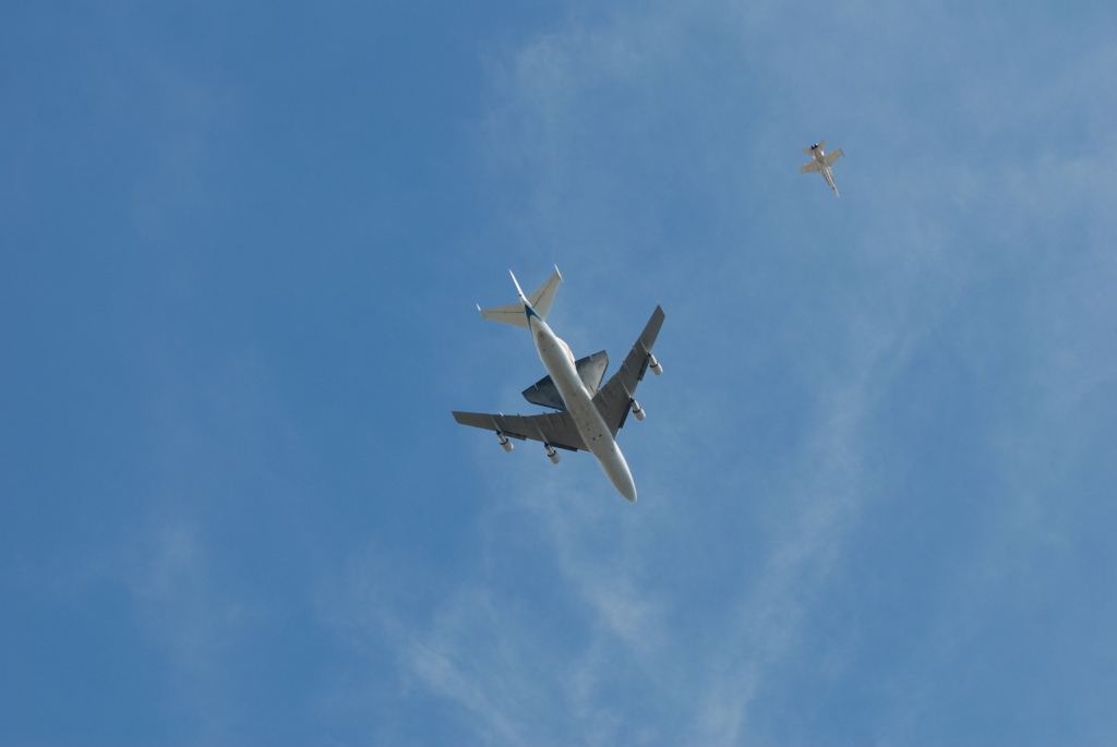 Space shuttle Endeavour's final flight_directly overhead, South Pasadena, CA._photo 2_Friday September 21, 2012