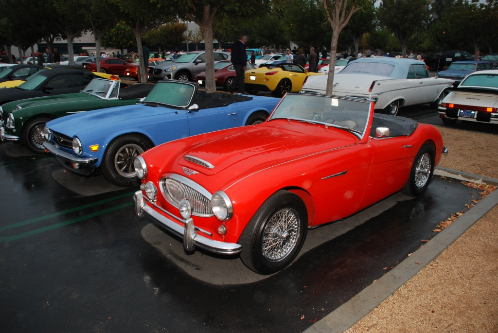 Red & Green Austin Healey convertibles sandwiching a blue Triumph TR 6_Cars&Coffee_October 20, 2012