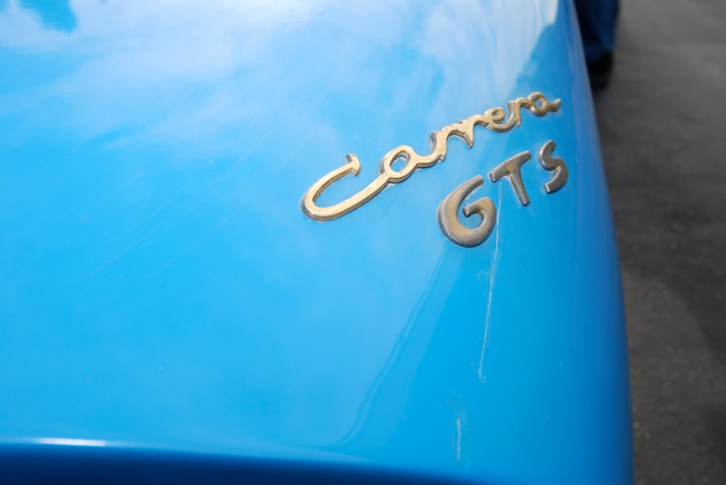 Blue 1964 Porsche 904 Carrera GTS_ rear fender badge & reflections_Cars&Coffee_September 29, 2012
