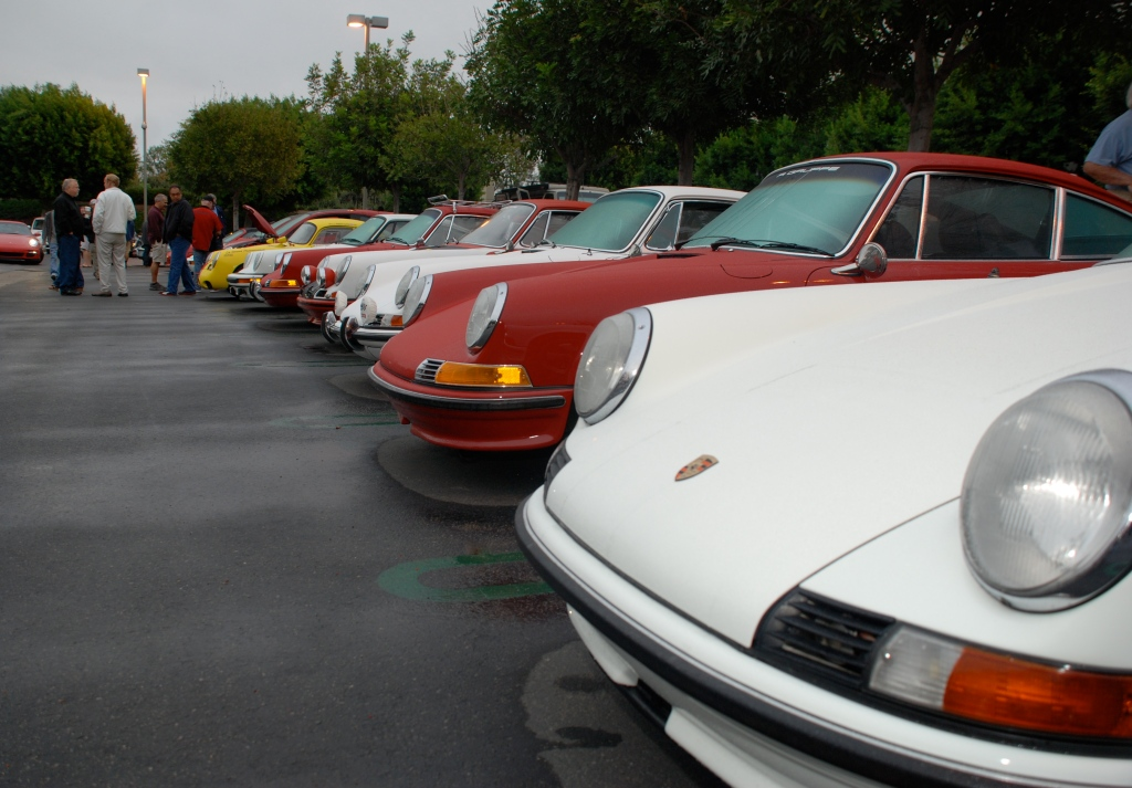 Porsche row_Red & white 911s lined up & getting wet_Cars&Coffee_October 2012