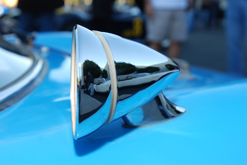 Wimbledon White 1964 427 Cobra reflection in blue 1964 Porsche 904 Carrera GTS side mirror_Cars&Coffee_October 27, 2012