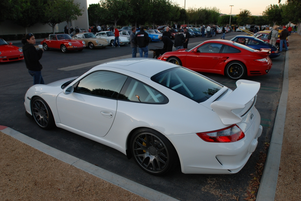 White Porsche 997 GT3_3/4 rear view_Cars&Coffee_November 10, 2012