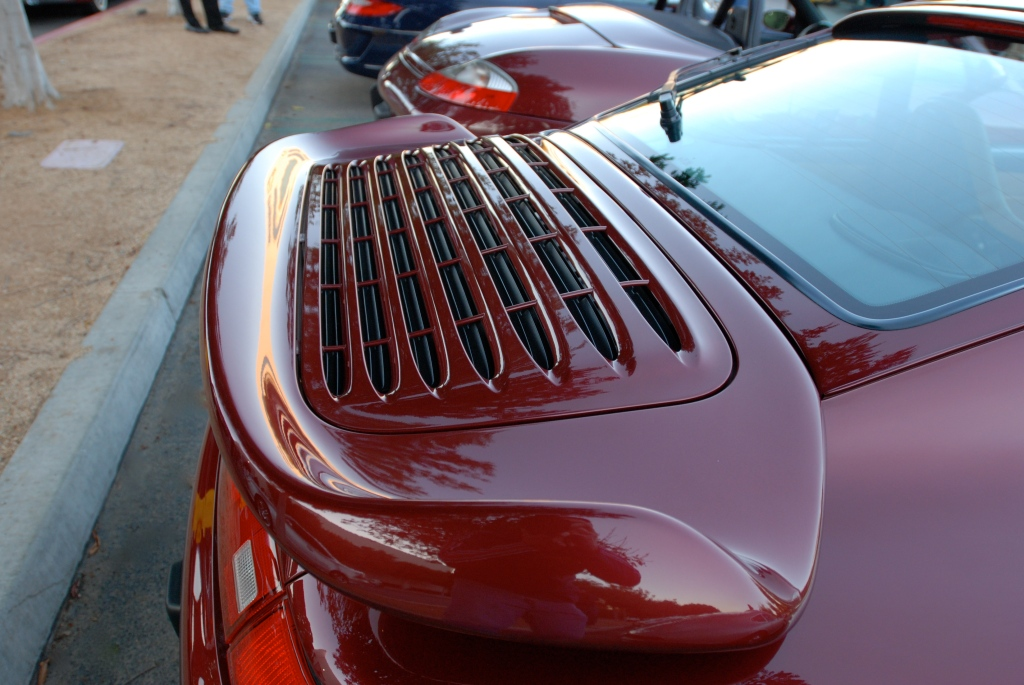 Arena Red metallic Porsche 993 turbo_rear wing reflections_Cars&Coffee_November 10. 2012