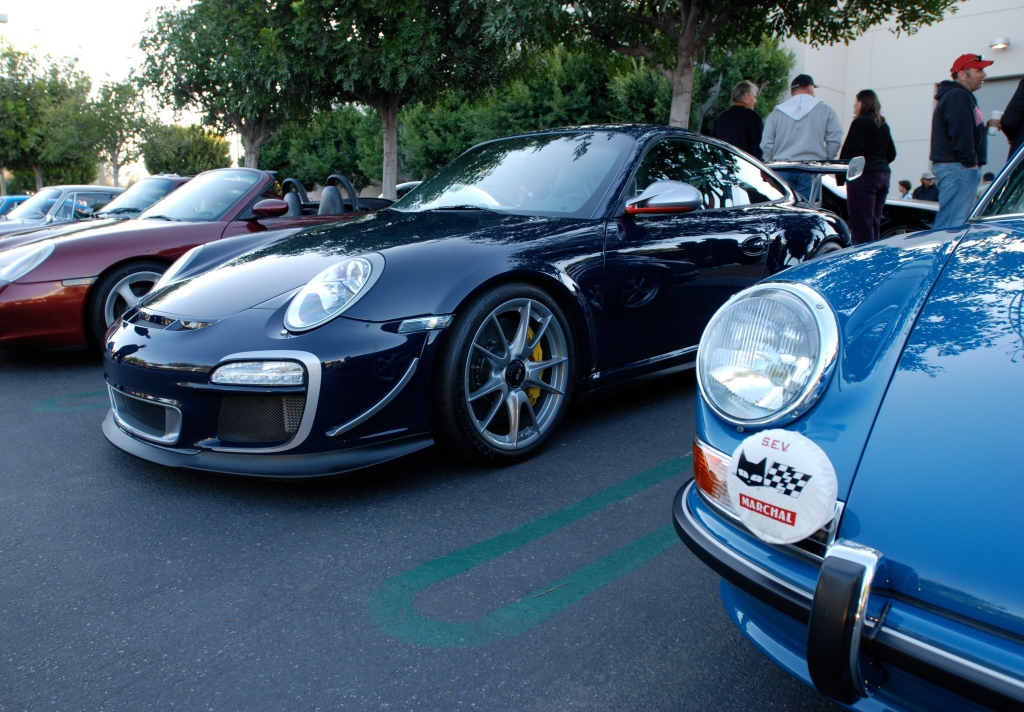 2011 Dark Blue GT3 RS4.0_3/4 front view with blue 911E_Cars&Coffee_November 10, 2012
