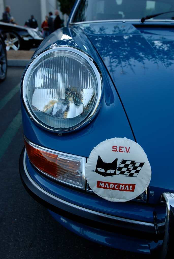 1971 Blue Porsche 911E_ right front headlight & driving light detail_Cars&Coffee_November 10, 2012