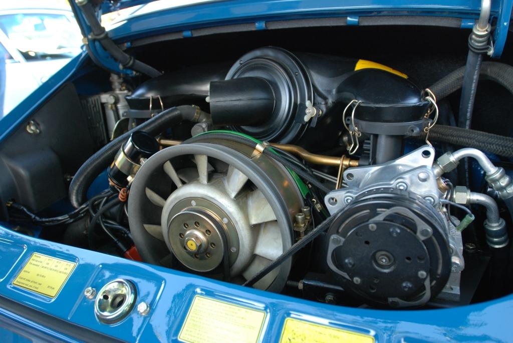 1971 Blue Porsche 911E_engine detail_Cars&Coffee_November 10, 2012