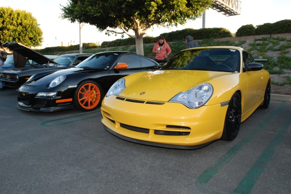Yellow GT3 and black with orange accents GT3RS_3/4 front views_Cars&Coffee, Irvine_DSC_0141