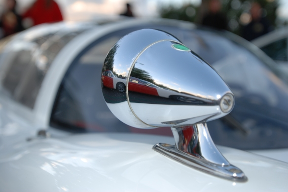 White 1966 Porsche 906 race car_ front fender mounted, right side Talbot racing mirror with reflections _Cars&Coffee/Irvine_December 29, 2012_DSC_0580