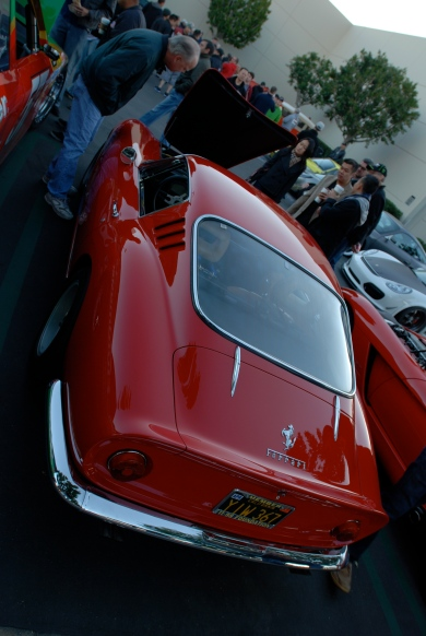 Red Ferrari 275 GTB/4_angled 3/4 rear view w/ reflections_Cars&Coffee/Irvine_January 19, 2013