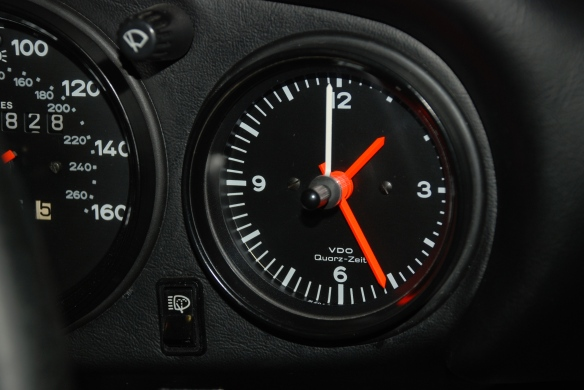 VDO Quartz clock_1986 Porsche 911 Carrera_close up view_restoration by North Hollywood Speedometer_1/25/13