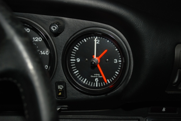 VDO Quartz clock_1986 Porsche 911 Carrera_restoration by North Hollywood Speedometer_1/25/13