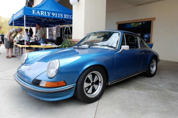 Metallic Blue 1973 Porsche 911S  _ 3/4 front view _Phoenix club all Porsche Swap & Display_3/03/13