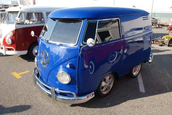Blue Shorty panel van_3/4 front view_OCTO 2013 Winter show_February 23, 2013