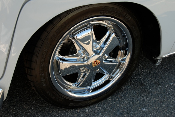 1966 Two toned blue & cream white Type 2_Polished Porsche alloy wheel_ OCTO 2013 Winter show_February 23, 2013