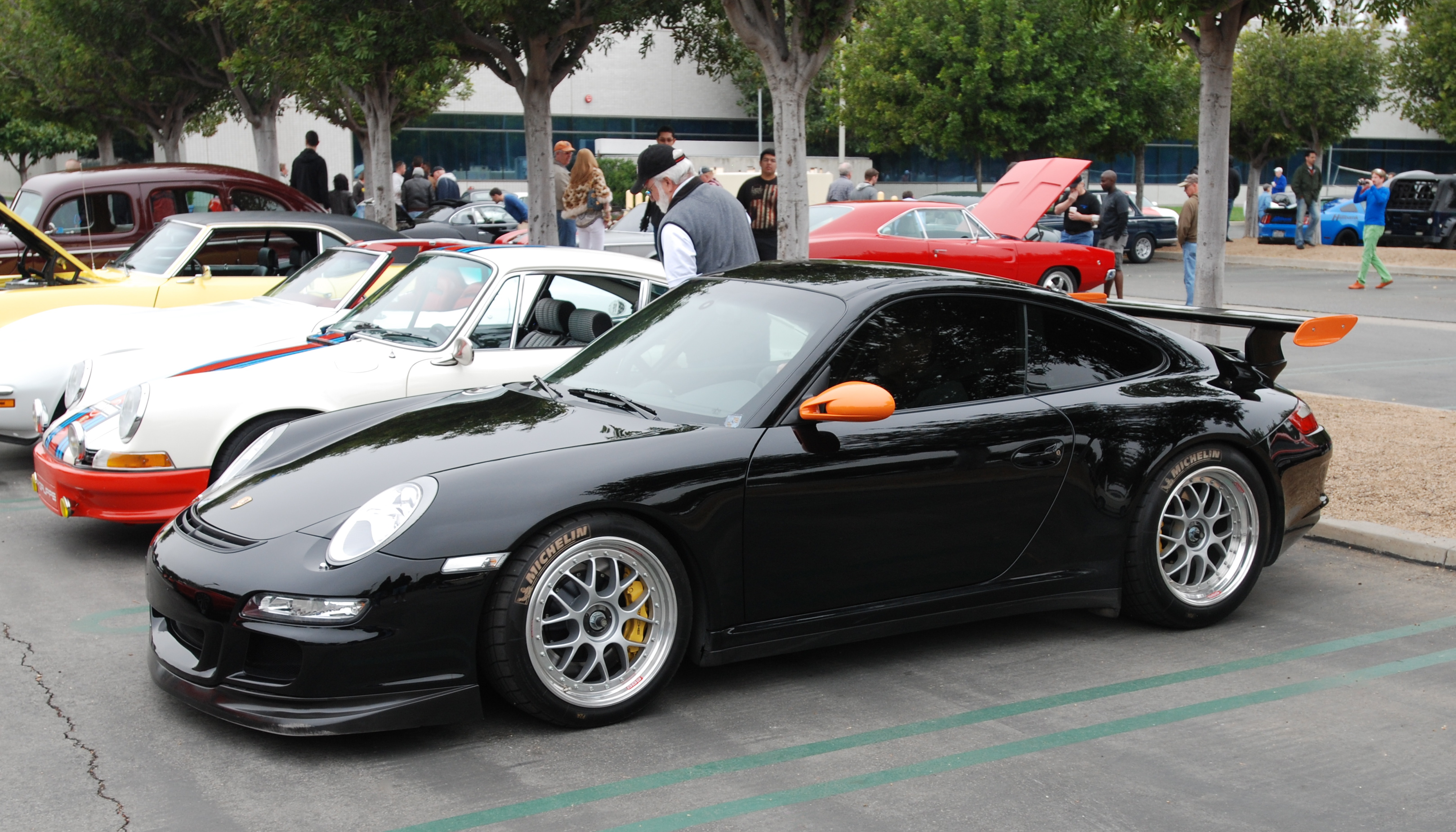 Porsche Coffee Cup >> New track shoes, an Alfa Romeo 8C Competizione, the return of a Porsche 911R tribute and some ...