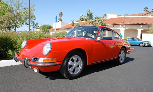 Signal Red 1966 Porsche 911_3/4 front view_RGruppe Solvang Treffen_May 18, 2013
