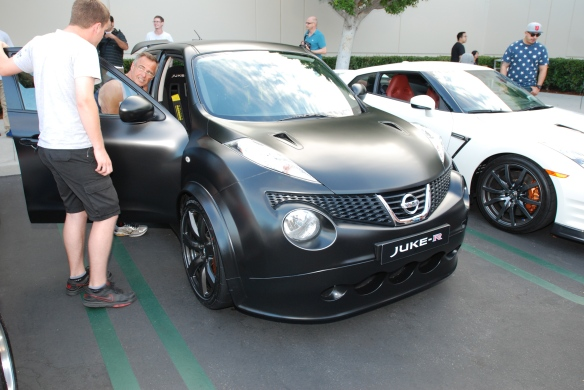 Matte black 2013 Nissan Juke-R_3/4 front view_Cars&Coffee_August 31, 2013
