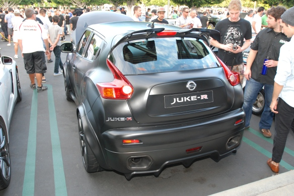 Matte black 2013 Nissan Juke-R_3/4 rear view_Cars&Coffee_August 31, 2013