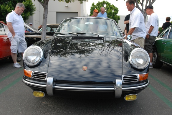 1966 DunkelBlau 911 coupe_ front view w/ reflections_Cars&Coffee_August 31, 2013